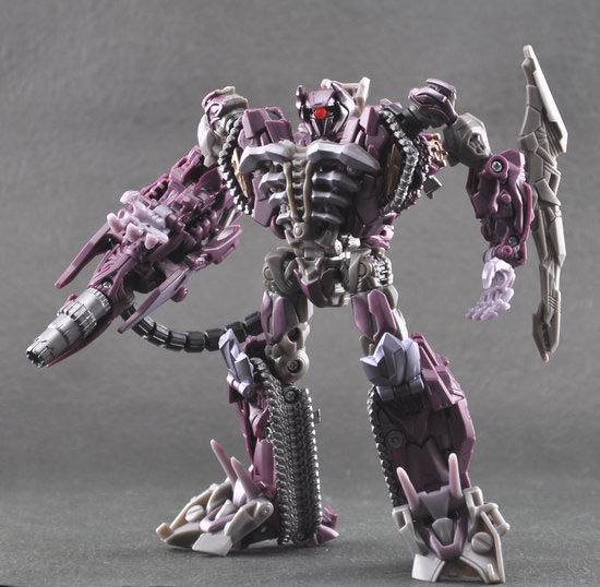 [IMG]http://www.nijirain.com/shockwave%20dark%20of%20the%20moon%20transformers.jpg[/IMG]
